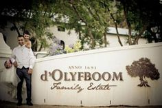 Paarl Country Estate, D'Olyfboom, a 40 hectare family estate situated on the outskirts of Paarl, is typified by olive groves, flourishing vines and warm hospitality.
