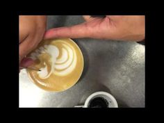Latte Art - easy way how to use colors - TUTORIAL