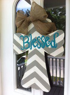 Painted wooden Cross Door Hanger with ribbon and Blessed chevron design. Cross Door Hangers, Wooden Door Hangers, Wooden Doors, Wooden Signs, Cute Crafts, Crafts To Do, Wood Crafts, Diy Crafts, Burlap Crafts