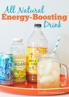 All Natural Energy-Boosting Drink Do you drag in the afternoons and sometimes reach for an extra cup of coffee or soda? Kick the afternoon caffeine habit today with this detoxing, natural energy-boosting drink! Avocado Smoothie, Natural Detox, Natural Herbs, Natural Life, Natural Skin, Natural Health, Veggie Juice, Bebidas Detox, Mental Training