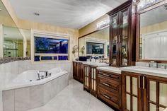 #followtoseemore #projectbyiraca #iracagroup #luxurious #luxurylife #smith #bathroom
