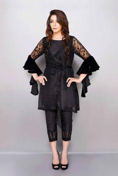 Stitching Styles Of Pakistani Dresses Black Waist belt Peplum Pakistani Formal Dresses, Pakistani Dress Design, Pakistani Outfits, Black Pakistani Dress, Pakistani Bridal, Indian Outfits, Designer Party Wear Dresses, Kurti Designs Party Wear, Kurta Designs