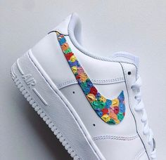 Shop Women's Nike Red Blue size Various Sneakers at a discounted price at Poshmark. Description: Gum-like Specific color-ways available 🧡🖤💙. Custom Sneakers, Custom Shoes, Shoes Sneakers, Painted Clothes, Painted Shoes, Skinny Jeans Damen, Cute Nikes, Aesthetic Shoes, Hype Shoes