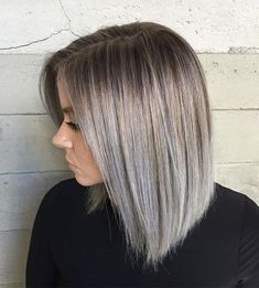 Short silver ombre hair color - Guggi's Make-Up,Haare und mehr - Cheveux Blonde Hair With Silver Highlights, Silver Ombre Hair, Ash Brown Hair Color, Ombre Hair Color, Hair Highlights, White Highlights, Gray Hair, Silver Fox Hair, Silver Foxes