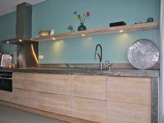 Koak Design makes real oak doors for IKEA kitchen cabinets. Koak + IKEA = your design! Kitchen Prices, Ikea Kitchen Cabinets, Tv Cabinets, Concrete Kitchen, Tadelakt, Home And Deco, Küchen Design, Beautiful Kitchens, Interior Design Kitchen