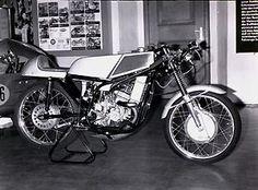 MZ Dreizylinder 125cc Rennmotorrad
