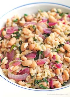 This Skillet Orzo with Spinach, Beans and Lemon Recipe couldn't be easier to whip up and is the perfect side dish or main dish for a Meatless Monday menu.
