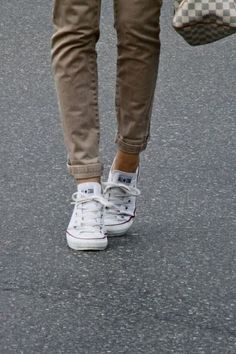 The Official Converse UK Online Store offers the complete Converse Sneaker and Clothing Collection. Shop All Star, Cons & Jack Purcell now. Looks Chic, Looks Style, Style Me, Simple Style, White Chucks, Brown Converse, Converse Classic, Converse Style, Black Converse