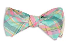 LOVE the idea of mismatched bowties for our groomsmen. Here's a favorite from #HighCotton: Clearwater Madras Bow Tie