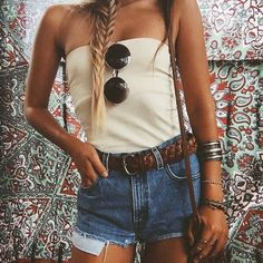 beachwear-for-women-to-fit-and-flatter - Womens Fashion 1 Tube Top Outfits, Outfit With Shorts, Bohemian Mode, Boho Chic, Bohemian Style, Spring Summer Fashion, Spring Outfits, Boho Fashion, Fashion Outfits