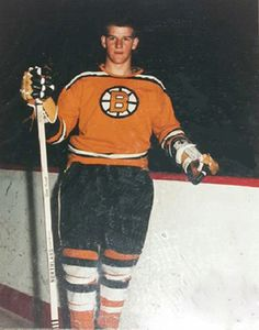 For A Photo During Practice Photos Hockey Teams, Hockey Players, Bobby Orr, Boston Bruins Hockey, Boston Sports, Vancouver Canucks, Hockey Cards, Vintage Football, Toronto Maple Leafs