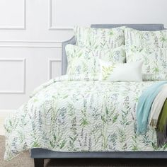 The Shiloh quilt cover set will bring a light floral element to your bedroom, incorporating pastel colours including green and blue...#quiltcovers #doonacovers #superkingquiltcovers #superkingbedlinen #bedlinen #linen #bedding #kingsheets #superkingsheets #quiltcover #homedesign #floral Superking Bed, King Sheets, White Sheets, Queen Quilt, Quilt Cover Sets, Cotton Quilts, Bedroom Inspo, Pastel Colors, Colours