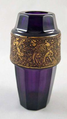 Glasvase, Moser, Karlsbad, violett, H. 12 cm  60 €