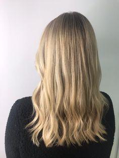 Blonde highlights, creamy blonde, wavy hair. Mid length. Mid Length Blonde, Mid Length Hair, Wavy Hair, New Hair, Balayage Long Hair, Lvl Lashes, Creamy Blonde, Keratin Complex, Hair And Beauty Salon