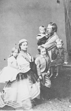 The Crown Prince and Crown Princess of Prussia with their children | Royal Collection Trust