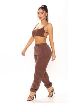 Rompers Women, Jumpsuits For Women, Best Joggers, Teen Fashion, Fashion Outfits, Kylie Jenner Outfits, Hot Outfits, Women Lingerie, Holiday Nights