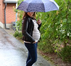Pregnancy style for a chill weather. http://omanelamansamalli.blogspot.fi/2016/06/these-rainy-days.html #maternitystyle #week27 #pregnancystyle #mamajeans #sripes #streetstyle