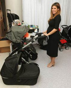 Jamie-Lynn Sigler Photos - Jamie Lynn Sigler's Baby Shower in NYC - Zimbio