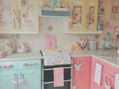 Shabby Chic and Interior Design - Shabby Chic Decor - Shabby Chic Storage, Shabby Chic Kitchen Decor, Shabby Chic Interiors, Shabby Chic Homes, Pastel House, Home Decor Inspiration, Decor Ideas, Room Ideas, Decorating Ideas
