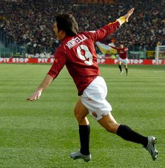 Vincenzo Montella - AS Roma - World Famous Airplane Goal Celebration