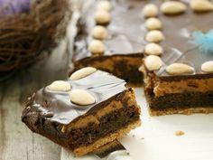 Wie wäre es mit diesem Kuchen für die nächste Kaffeetafel? Polnischer Mohnkuchen mit Erdnussbutter - smarter - Zeit: 45 Min. | eatsmarter.de