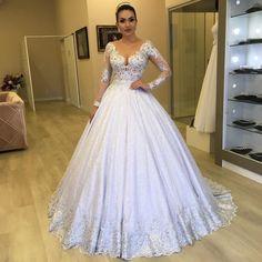 Ballroom Wedding Dresses, Dream Wedding Dresses, Wedding Gowns, Semi Formal Dresses, Dress And Heels, Ball Dresses, Marie, Wedding Hairstyles, Prom