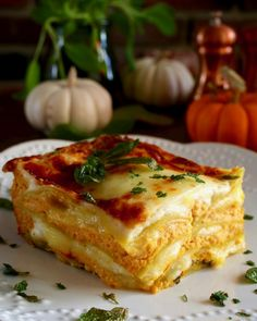 Pumpkin Ricotta Lasagne is ultimate healthy dinner. The delicious flavours of autumn converge to make this pasta dish a nutritional powerhouse! Gluten Free Pumpkin, Pumpkin Recipes, Fall Recipes, Holiday Recipes, Ricotta, Pumpkin Lasagna, Lasagne Recipes, Pasta Recipes, Vegetarian Recipes