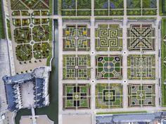 Jardins du château de Villandry vus du ciel © Gillard et Vincent