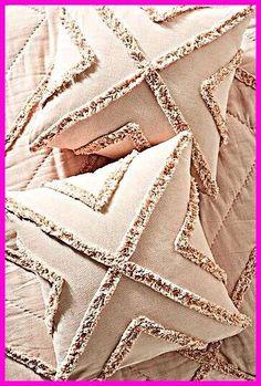 Diy Pillows, Custom Pillows, Decorative Pillows, Throw Pillows, Decorative Items, Goth Home Decor, Punch Needle Patterns, Velvet Cushions, Punch Art