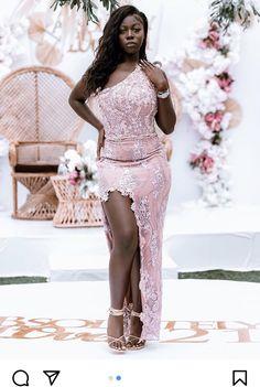 Lace Dress Styles, Lace Fabric, Fashion Dresses, Formal Dresses, Fashion Show Dresses, Dresses For Formal, Trendy Dresses, Formal Gowns, Stylish Dresses