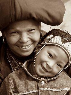 Sapa Dzao mother and child, Vietnam