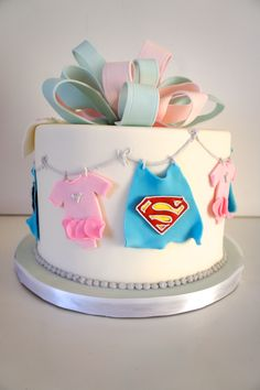 Gender Reveal cake for the love of Superman! Yes they are having a boy! #genderrevealcake #heorshe