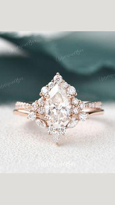 Cute Engagement Rings, Unique Vintage Engagement Rings, Moissanite Engagement Rings, Unique Diamond Engagement Rings, Antique Wedding Rings, Wedding Ring Styles, Boho Wedding Ring, Gold Wedding Rings, Dream Wedding