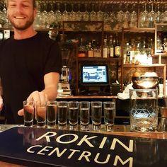 De mezcal traditie met Renze leefde voort tijdens #24uurRokin in Terpentijn. Eén van onze favoriete barren in Amsterdam.  #24uurRokin #CityguysNL #Rokin #Terpentijn #shots #mezcal #bartending #drinks #cocktails #bar #Amsterdam