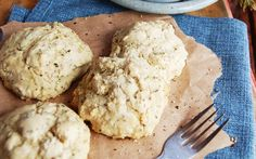 <p>Life can taste good with these fluffy, soft gluten-free biscuits accompanied with mushroom gravy. It's the ultimate comfort food side that will leave you craving for more. </p>
