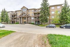 401 - 3810 43 Street SW, Calgary - HD Photos & Floor Plan - Listed by Paul M Macko