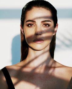 Adelaide Kane 📸 by Hudson Taylor ♤ October 2018 Adelaide Kane, Cora Hale, Hudson Taylor, Film Serie, Grunge Hair, Wattpad, Pretty People, Beautiful People, Beauty
