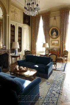 Château de La Motte-Tilly, bibliothèque - mid 18th Century. [source: www.Regards.Monuments-Nationaux.fr; Portfolio Collection of Regional Monuments]