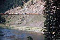 Railroad Photography, Art Photography, Beach Vacation Outfits, Milwaukee Road, Railroad Pictures, Train Pictures, Model Trains, Locomotive, Montana