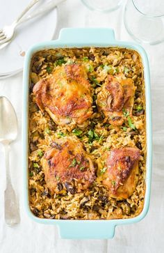 Freezer Friendly Chicken and Wild Rice Bake Dinner Recipe. Stock your freezer with healthy meals and dinners! Easy on your budget and great for new moms. Use chicken thighs, mushrooms, brown rice, and simple spices to make this delicious weeknight dinner. Baked Chicken, Chicken Recipes, Recipe Chicken, Wild Rice Recipes, Chicken And Wild Rice, Chicken Wild Rice Casserole, Chicken Rice, Baked Dinner Recipes, Cooking Recipes