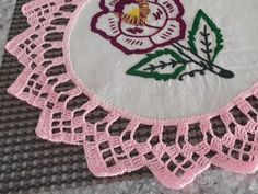 3022 Edging pattern by MYpicot Crochet Art, Filet Crochet, Vintage Crochet, Crochet Doilies, Crochet Flowers, Crochet Stitches, Crochet Border Patterns, Crochet Designs, Crochet Baby Shoes