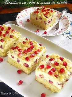 Prajitura cu rodie si crema de vanilie Cake Recipes, Dessert Recipes, Homemade Sweets, Romanian Food, Different Cakes, Food Cakes, Something Sweet, Holiday Desserts, Yummy Cakes