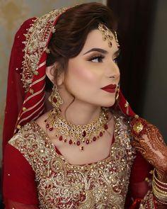 Pakistani Bridal Hairstyles, Pakistani Wedding Outfits, Indian Bridal Outfits, Indian Bridal Makeup, Pakistani Bridal Dresses, Pakistani Makeup, Nikkah Dress, Punjabi Wedding, Pakistani Actress