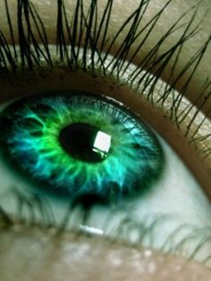 Just imagine if your eye color naturally looked like this