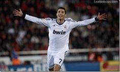 15 millones de euros ofrecerá Real el Madrid para la renovación de Cristiano Ronaldo - http://www.leanoticias.com/2013/01/03/15-millones-de-euros-ofrecera-real-el-madrid-para-la-renovacion-de-cristiano-ronaldo/