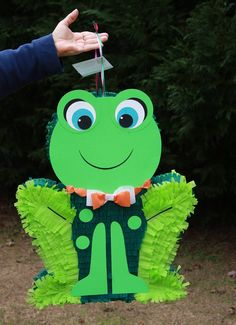 Frog Pinata by AbitaAchie on Etsy Frog Birthday Party, 1st Birthday Parties, Birthday Ideas, Ava Doll, Frog Costume, Frog Theme, Cute Guys, Party Themes, Drum