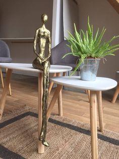Sculpture mixte, subtile mélange d'argile, de gomme laque et de pigments. Patinée bronze et or Decor, Furniture, Side Table, Table, Home Decor