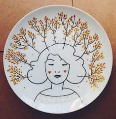 Estilo Floral, Plate Drawing, Doodle Sketch, Decor Styles, Decorative Plates, Projects To Try, Doodles, Hand Painted, Ceramics