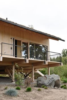 Contemporary Home Decor, see the truly striking styling pin tip number 5553869679 right here. Modern House Design, Home Design, Tiny Cabins, House Extensions, Contemporary Home Decor, Cozy Cottage, House In The Woods, New Homes, Osprey Nest
