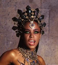 akasha queen of the damned - Google Search